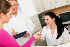 shutterstock 53366701 300x200 Mi seguro médico, ¿renovar o cambiar?
