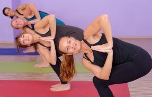 BR shutterstock 165971681 300x193 Bikram, el yoga de moda