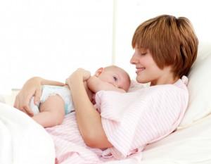 BR shutterstock 32195146 300x233 Lactancia materna